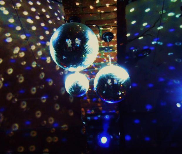 silent disco dancing